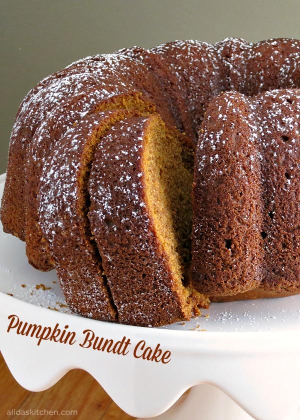 Pumpkin Bundt Cake | alidaskitchen.com