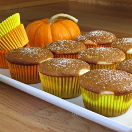 pumpkin cream cheese filled cupcakes