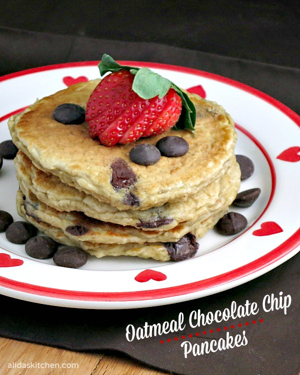 Oatmeal Chocolate Chip Pancakes | alidaskitchen.com