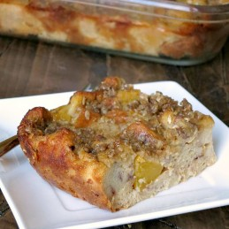 Overnight Baked Peach French Toast | alidaskitchen.com