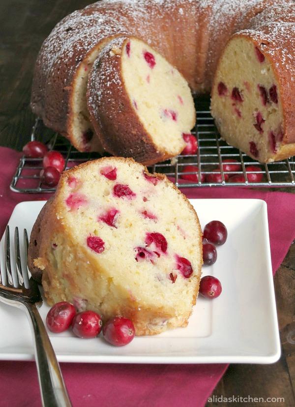 Cranberry Orange Bundt Cake | alidaskitchen.com